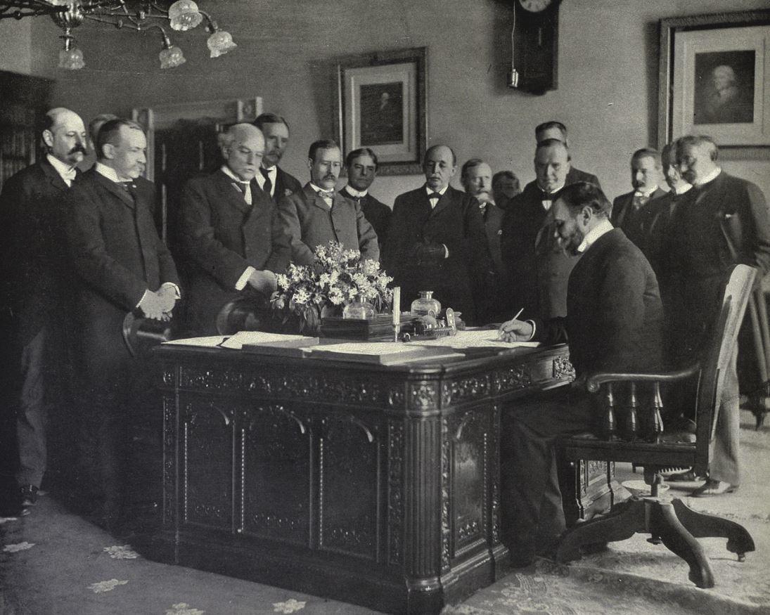 10 Diciembre 1898 Se firma el tratado de París