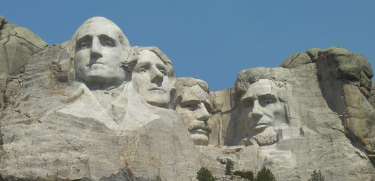 El Monte Rushmore el monumento escultórico esculpido en la montaña