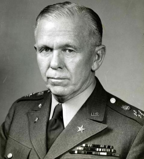 5 Junio 1947 se presenta el Plan Marshall para ayudar a los países europeos afectados después de la Segunda Guerra Mundial