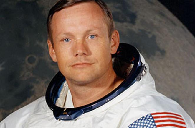 25 Agosto 2012 fallece Neil Armstrong el primer hombre en pisar la Luna