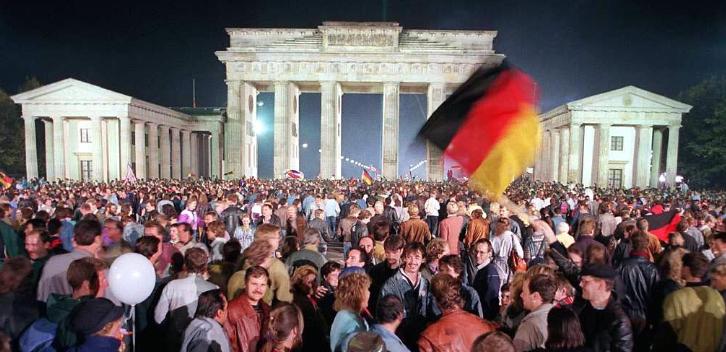 3 Octubre 1990 se produce la Reunificación de Alemania