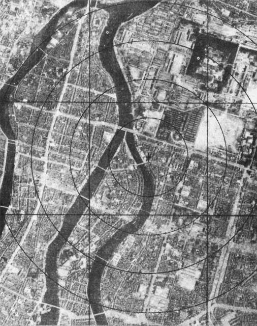 6 de agosto de 1945 En Hiroshima, Estados Unidos realiza el primer bombardeo nuclear de la historia
