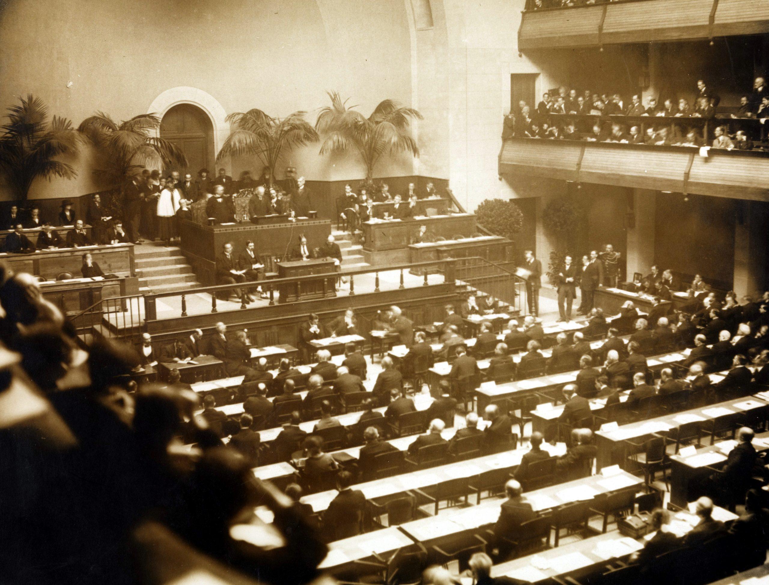 19 de octubre de 1933 Alemania sale de la Sociedad de Naciones